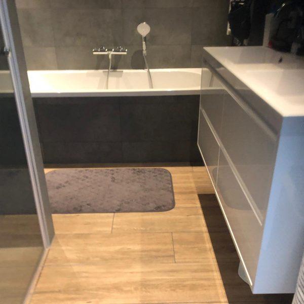 Badkamer installatie door Bad3 Huissen nieuwe badkamer en toilet Huissen